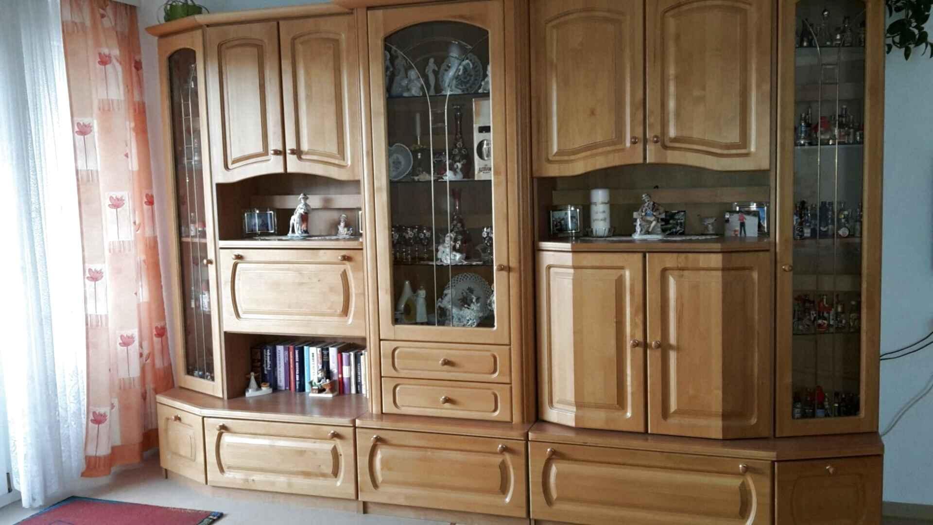 Schoner Wohnzimmerschrank gebraucht kaufen! Nur 10 St. bis -10