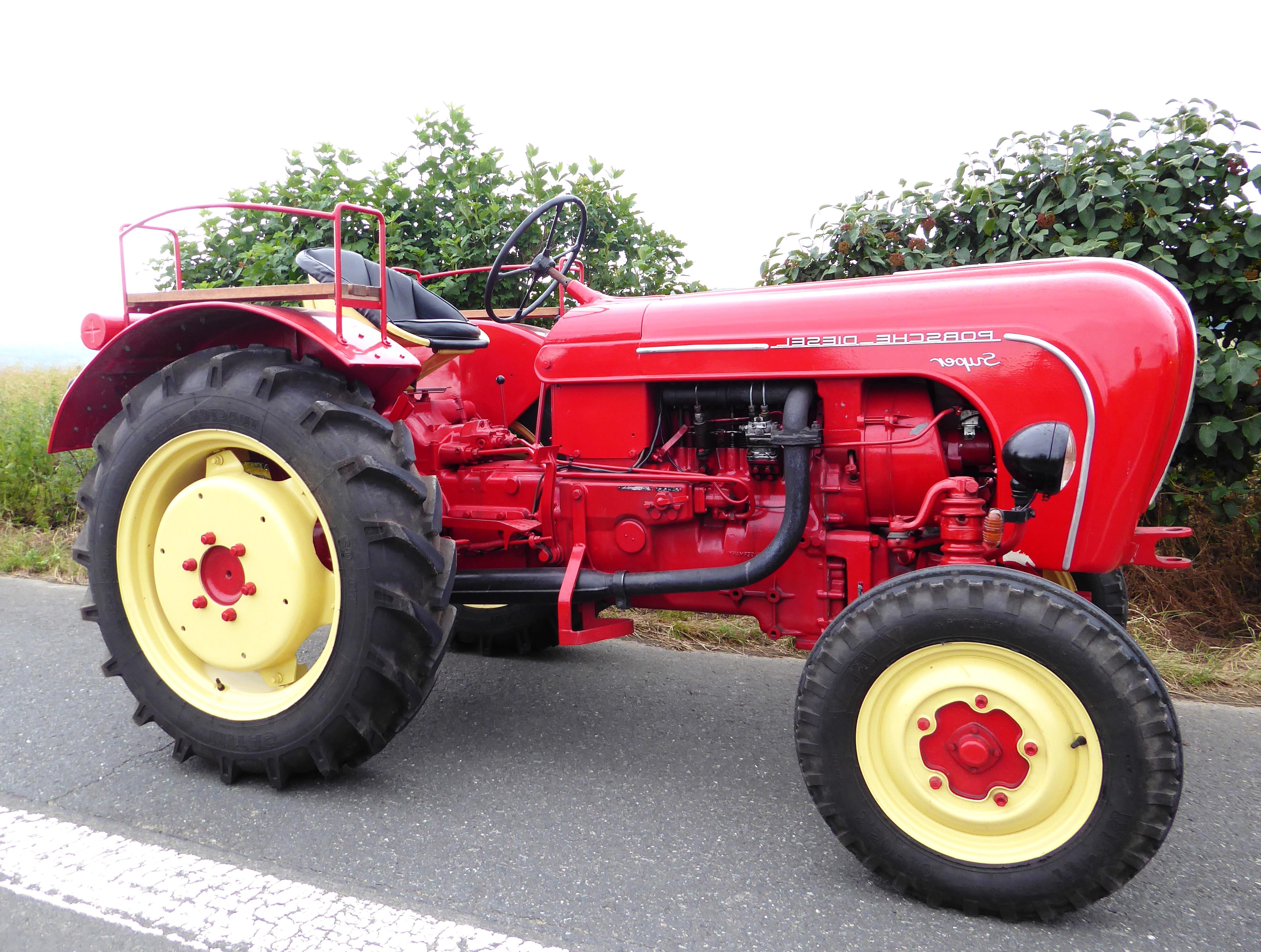 porsche traktor gebraucht kaufen nur 3 st bis 65 g nstiger. Black Bedroom Furniture Sets. Home Design Ideas