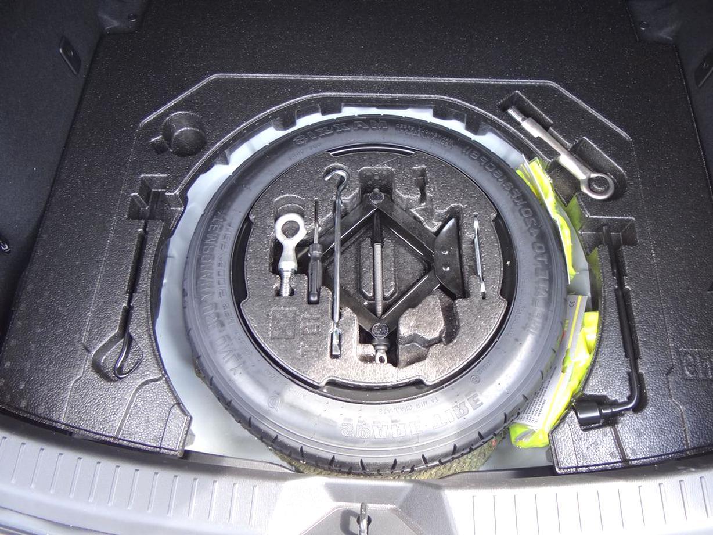Kofferraumwanne Antirutsch für Mazda 2  DE Hatchback 2007-2015 Notrad//Pannenset